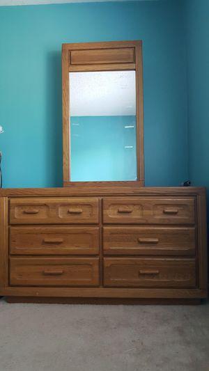 6 drawer dresser with mirror for Sale in Woodbridge, VA