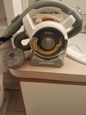 Black and decker vacuum for Sale in Tampa, FL