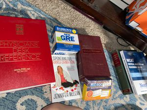 Medical or college books physicians test prep for Sale in San Antonio, TX