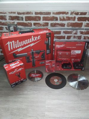 Milwaukee M18 FUEL SURGE IMPACT & BATTERY KIT for Sale in Los Angeles, CA