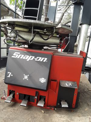 Snap on tire mounting and balancing machines for Sale in Avon Park, FL