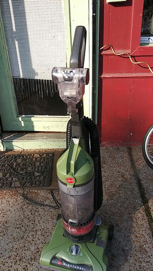 Hoover. WINGTUNNEL. 12 AMPS for Sale in St. Louis, MO