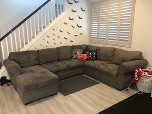 Sectional couch grey for Sale in Rancho Santa Margarita, CA