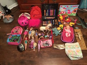 Super deal 100 girl toys with many Barbie dolls my little poney stuffed animals horses crayons back packs purse ball etc for Sale in Kissimmee, FL