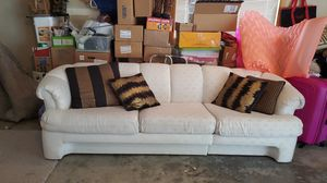 White sectional and table great condition you can separate peices or make a huge couch for Sale in Issaquah, WA