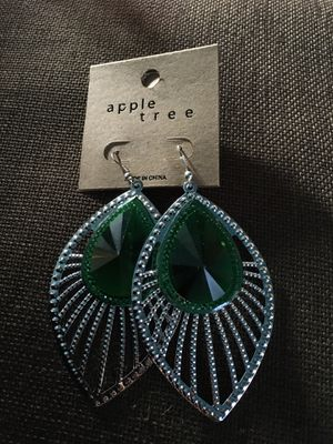 Ladies Silver and Green Earrings for Sale in Carson, CA