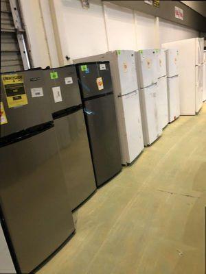 Top freezer fridge Liquidation BS SE for Sale in San Antonio, TX