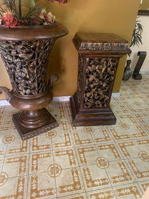 Piezas d adorno d city furniture for Sale in Miami, FL