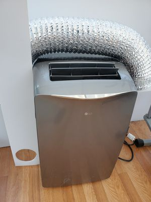 Portable air conditioner ac 14000btu LG for Sale in Anaheim, CA