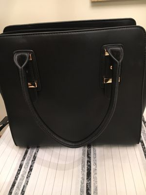 Beautiful, new, black leather handbag for Sale in Tallmansville, WV