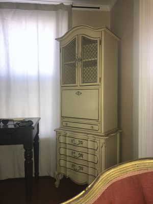 Stunning Antique Tall Dresser for Sale in Fresno, CA