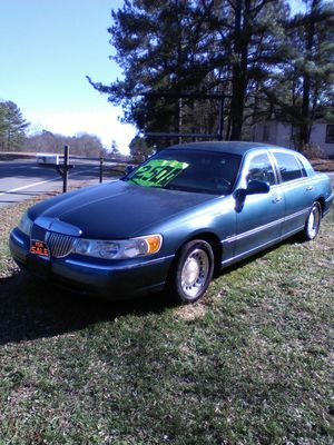 Lincoln Town car for Sale in Crewe, VA