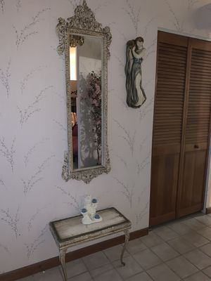 Antique mirror and entrance table for Sale in Sebring, FL