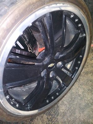 21 inch Chevy Rims Black/Chrome for Sale in Duncanville, TX