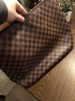 Louis Vuitton Purse for Sale in Mooresville, NC