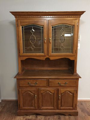 Hard Wood Buffet & Hutch for Sale in Tomball, TX