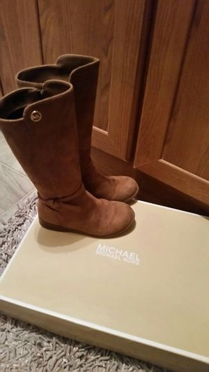Mk boots size 13 little girl for Sale in Midland, TX