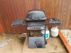 Gas grill, extra tank and patio furniture for Sale in Union City, NJ