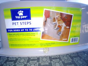 Top step pet steps, Plastic, 4 level. for Sale in Beaverton, OR