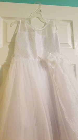 White flower girl dress size 8-10 for Sale in Roselle, IL