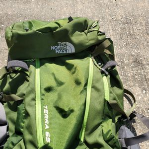 Northface TERRA 65 backpack For Camping&Hiking for Sale in Houston, TX