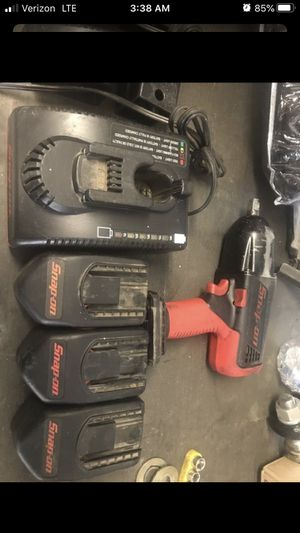 "1/2"" snap on impact gun with two batteries for Sale in Pomona, CA"
