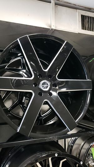 24x10 strada rims 6 lug 6x139 whit New tires 305 35 24 for Sale in Phoenix, AZ
