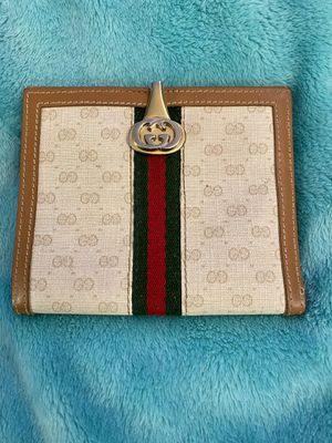 Authentic Gucci Vintage Wallet for Sale in Las Vegas, NV