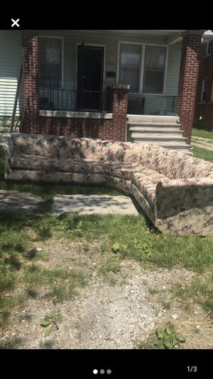 3 piece sectional for Sale in Detroit, MI
