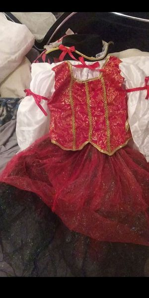Little girls pirate costume size 5/6new with top skirt and hat asking $10 for Sale in Riverside, CA