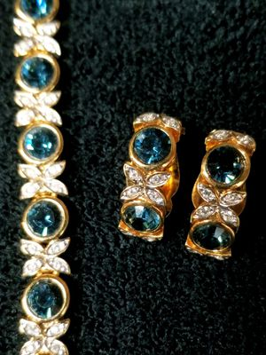D'Orlan Gold Bracelet And Matching Earrings w/Swarovski Crystals for Sale in Vancouver, WA