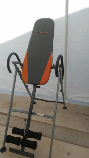 ELITE FITNESS INVERSION TABLE for Sale in Perris, CA