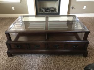 Coffee table/ end table for Sale in Oakdale, CA