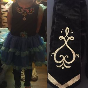 Anna Halloween costume w/leggings and leg warmers for Sale in Salinas, CA