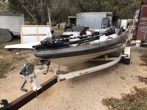 Bass boat for Sale in Elmendorf, TX