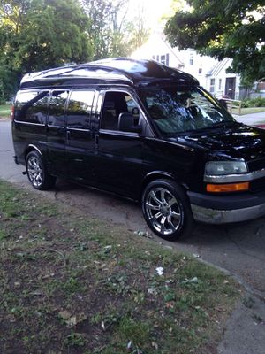 2003 Chevy express for Sale in Detroit, MI