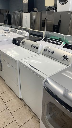 Whirlpool washer and dryer for Sale in Dearborn Heights, MI