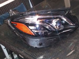 2017 2018 2019 MERCEDES BENZ E-CLASS W213 E350 E400 MULTI BEM LED HEADLAMP RIGHT SIDE IN EXELENT CONDITION THIS HEADLIGHT HAS NO BROKEN OR FIXED TABS for Sale in South Gate, CA