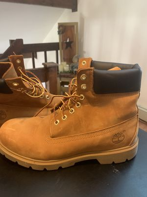 TIMBERLAND CLASSIC LEATHER BOOTS SIZE 10 LIKE NEW for Sale in Berkeley Township, NJ