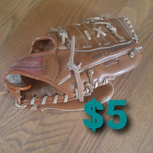 Rawlings Youth Glove for Sale in Federal Way, WA