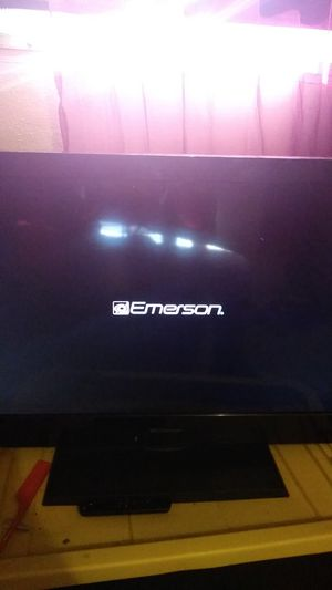 Emerson 32' inch flat screen tv for Sale in Brooklyn, NY