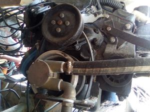4 bolt main 350 cubic inch boat engine for Sale in St. Petersburg, FL