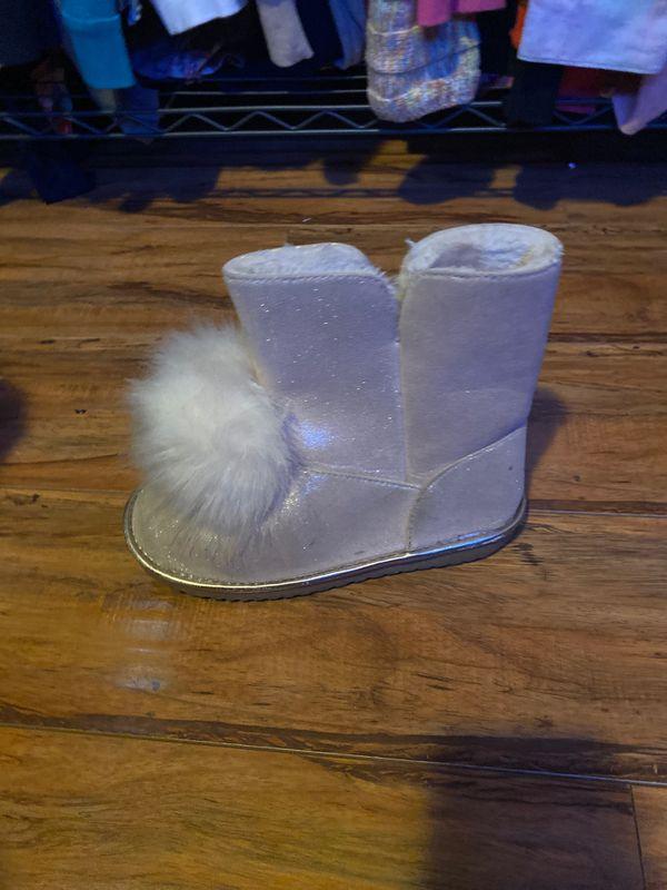 Children's place boots size 5