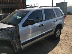 2006 JEEP GRAND CHEROKEE FOR PARTS ONLY for Sale in San Bernardino, CA