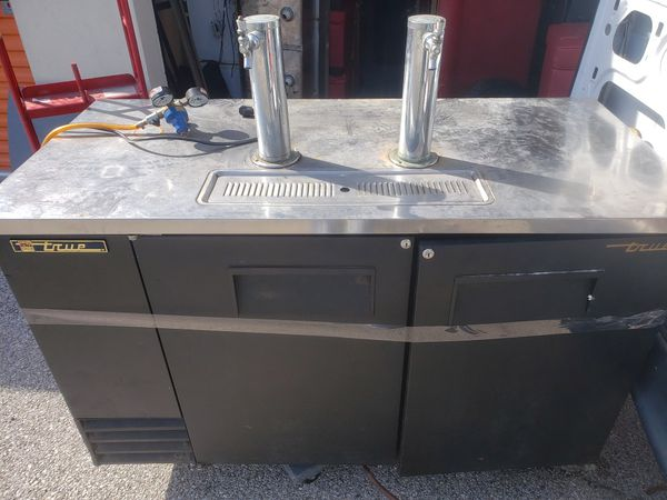 True draft beer cooler (works)