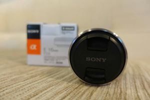 Sony Lens E mount. E16MM / F2.8 for Sale in Valley Stream, NY