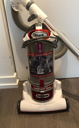 Shark Vacuum for Sale in Chicago, IL