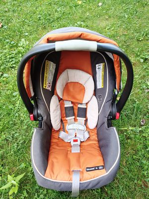 Graco Snugride 35 Car Seat for Sale in Gahanna, OH