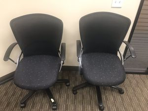 Adjustable office chair with wheels for Sale in San Jose, CA