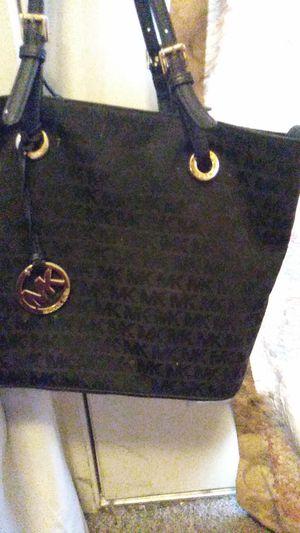 Mk purse for Sale in Pleasant Hill, IA
